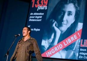 Julien Clerc chante pour soutenir Ingrid Betancourt